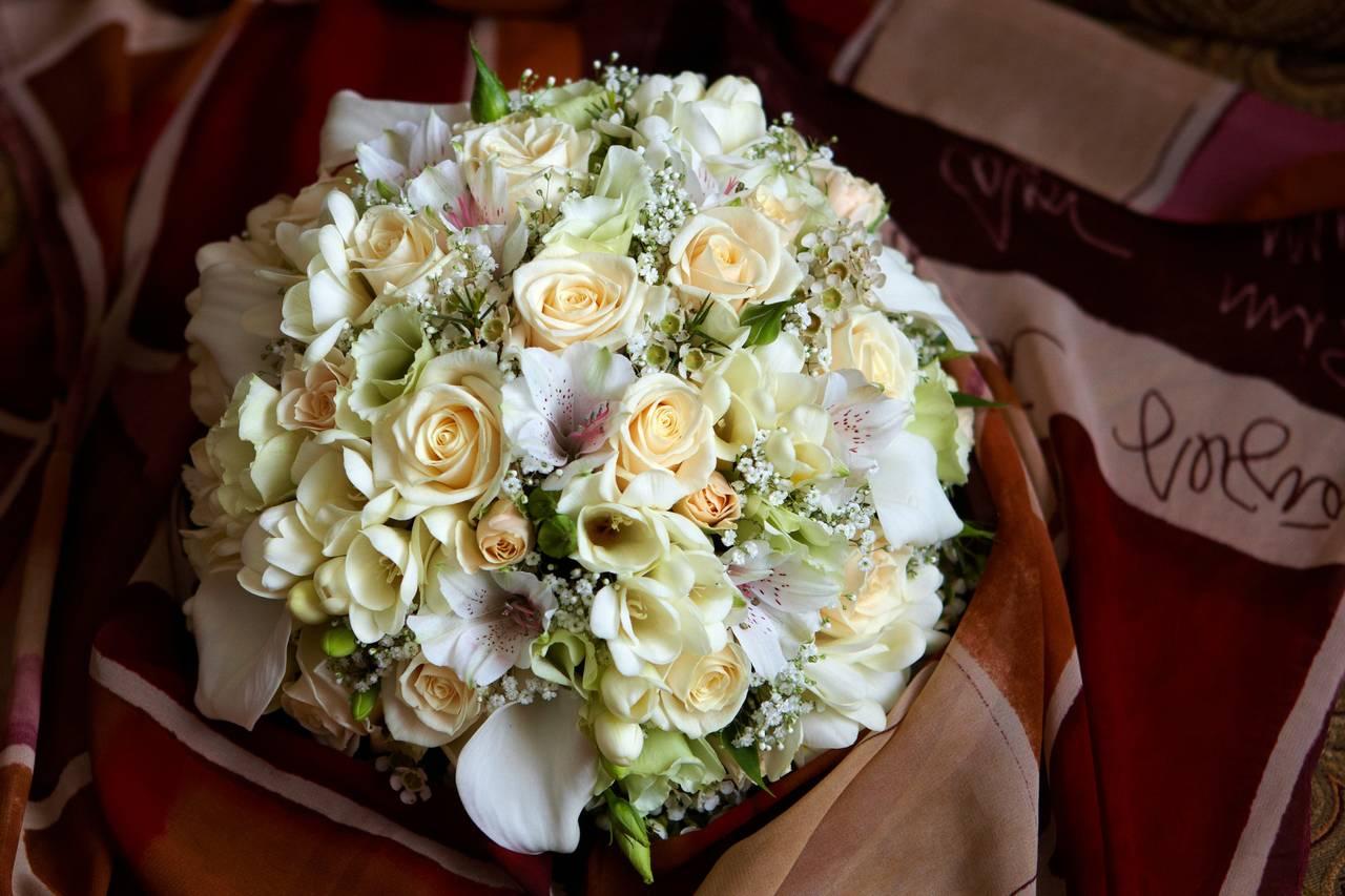 Круглые свадебные букеты минск цены