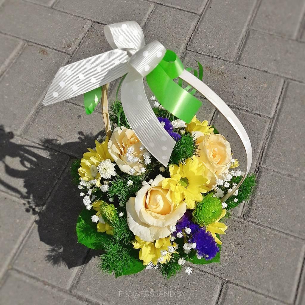 Цветы, заказать корзину с цветами в минске
